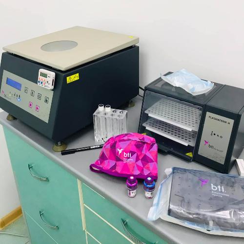 Атипове видалення з використанням Endoret(PRGF), синус-ліфтинг і встановлення імплантату BTI Іспанія